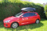 Eine Dachbox auf einem Mietwagen der Autovermietung Ziegler