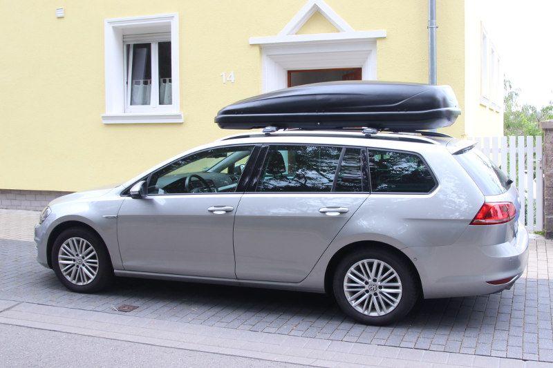 Dachbox auf einem Volkswagen Passat Kombi in Pirmasens
