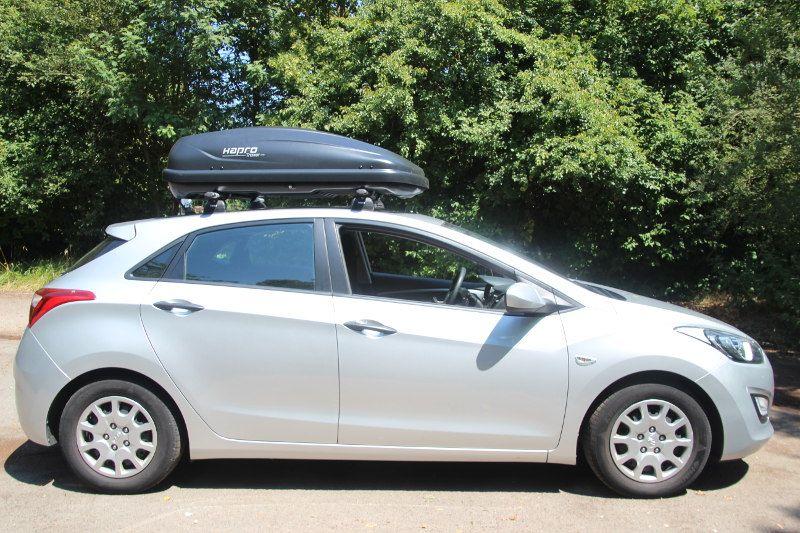 Dachbox auf einem Hyundai i30 in Blieskastel