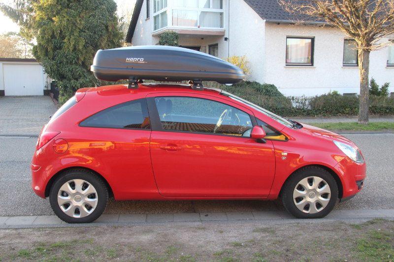 Dachbox auf einem Opel Corsa in Jockgrim