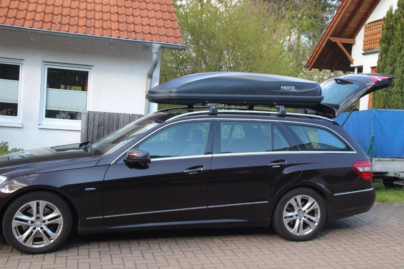 Dachkoffer auf Mercedes E-Klasse T-Modell in Sankt Ingbert