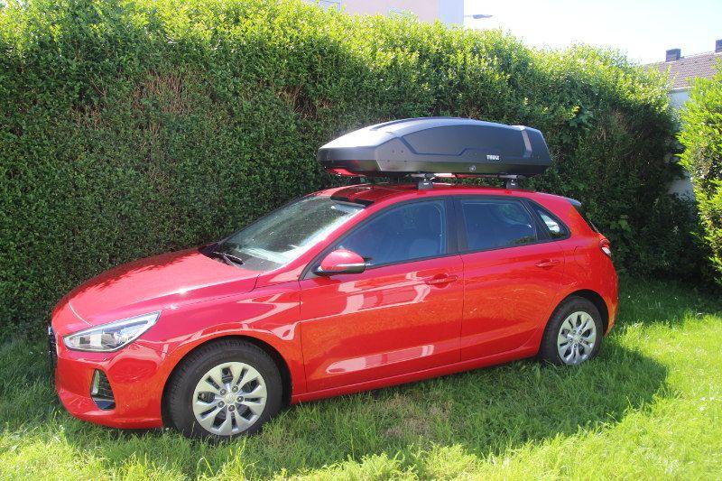 Dachbox auf einem Hyundai i30 in Pirmasens