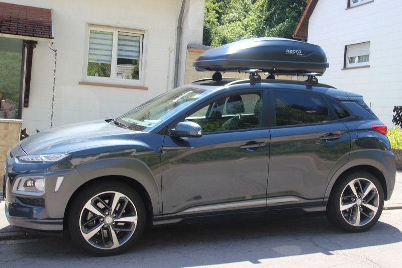 Dachbox auf einem Hyundai Kona in Zweibrücken