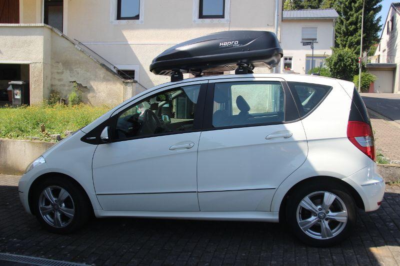 Dachbox auf einem Mercedes A-Klasse in Rastatt