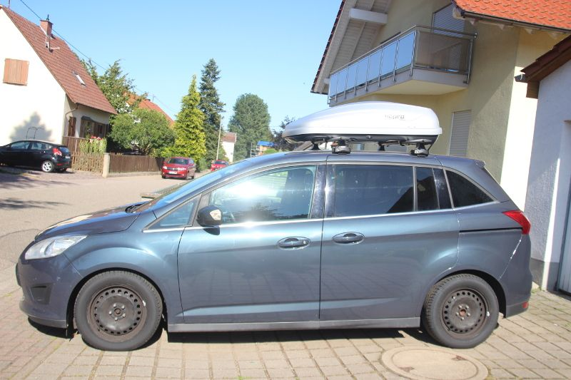 Dachbox auf einem Ford Grand C-Max in Bad Dürkheim