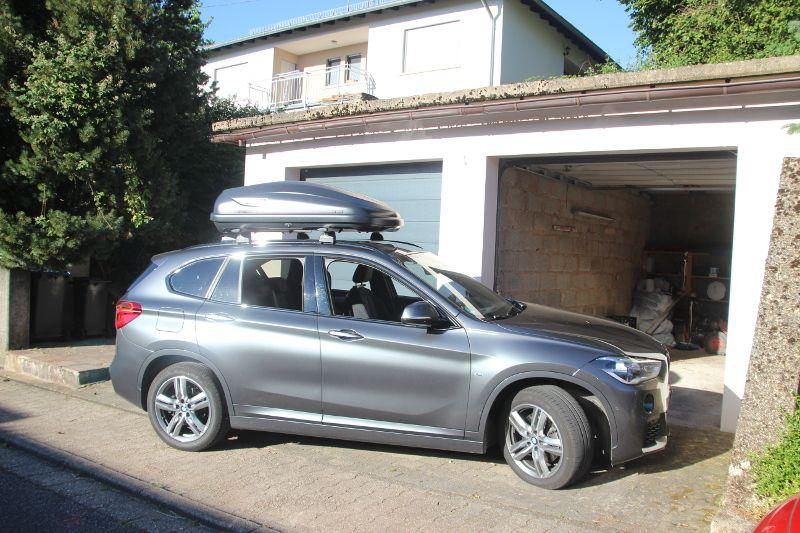 Dachbox auf einem BMW X1 in Neunkirchen / Saarland