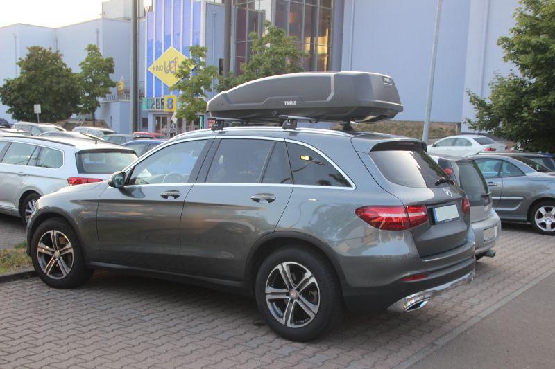 Kaiserslautern: Dachbox 450 Liter auf einem Mercedes GLC SUV