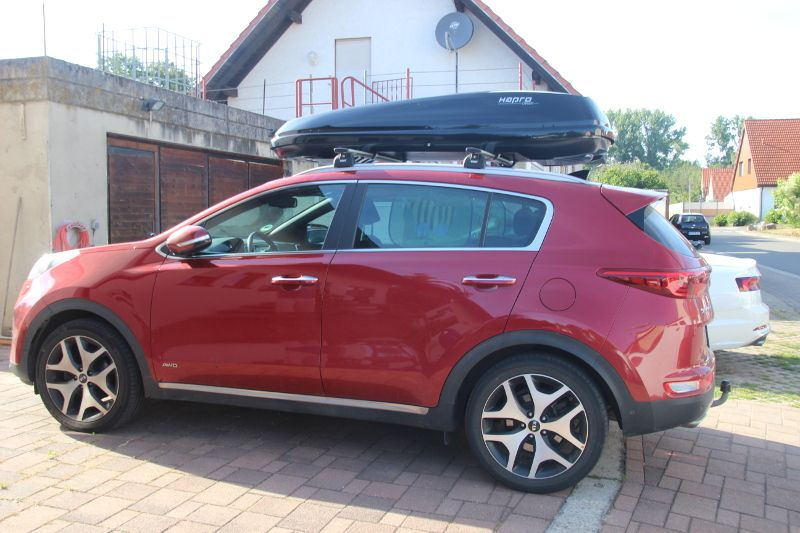 Landau / Pfalz: Dachbox 550 Liter auf einem Kia Sportage