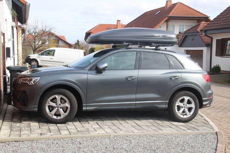 Dachbox auf einem Audi Q3