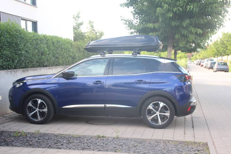 Landau: Dachbox 430 Liter auf einem Peugeot 3008