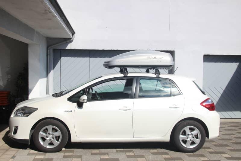 Herxheim: Dachbox 370 Liter auf einem Toyota Auris