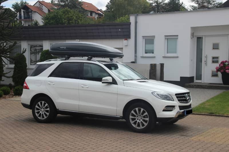 Dachbox auf einem Mercedes ML