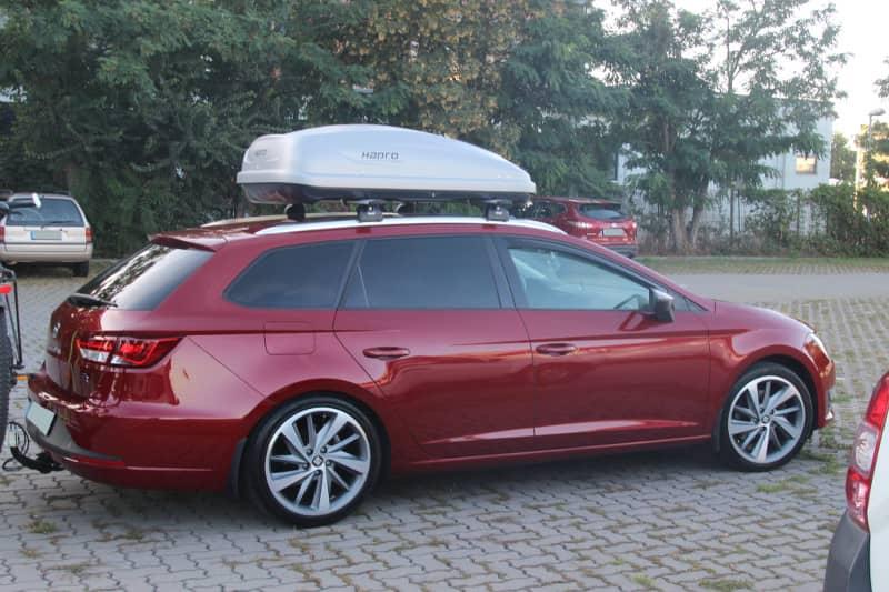 Zweibrücken: Dachbox 370 Liter auf einem Seat Leon Kombi