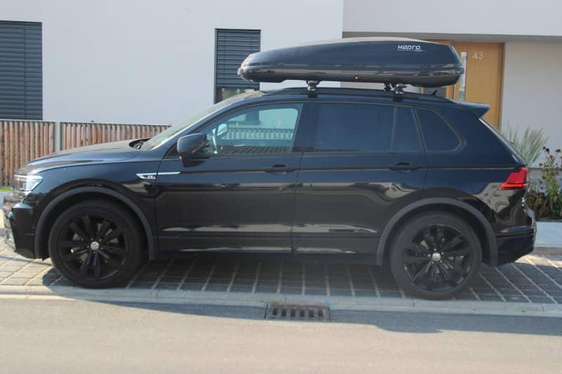 Karlsruhe: Dachbox 430 Liter auf einem VW Tiguan