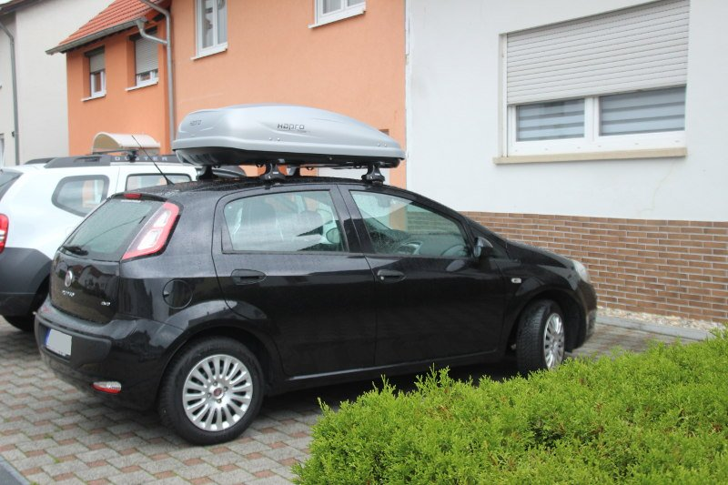 dachbox mit dachtr ger f r fiat punto g nstig mieten. Black Bedroom Furniture Sets. Home Design Ideas