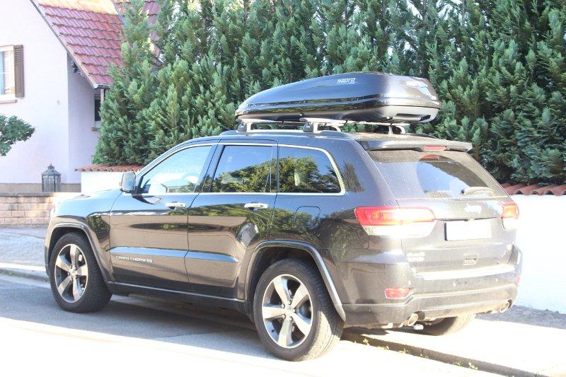 Dachbox und Dachträger für Ihren Jeep leihen