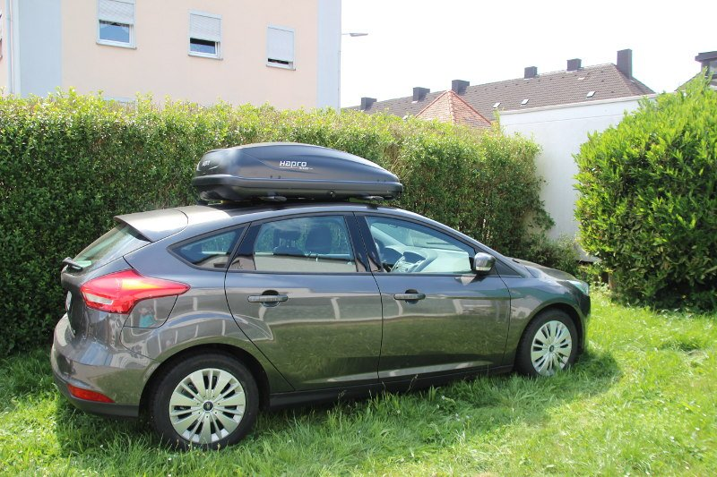 saarbr cken dachbox 370 liter f r ihren ford focus mieten. Black Bedroom Furniture Sets. Home Design Ideas