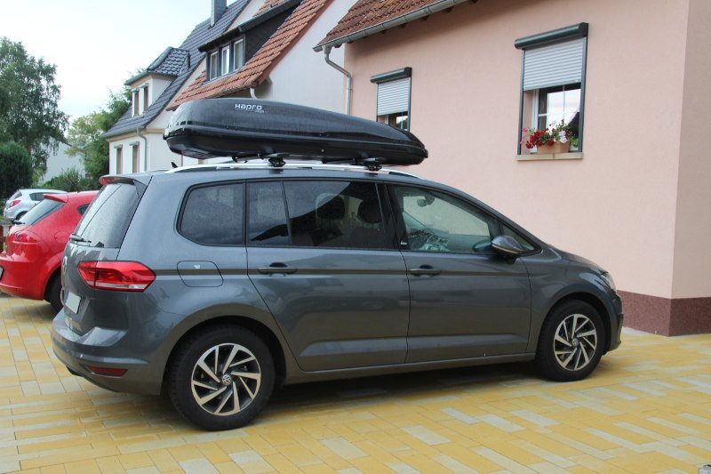 dachbox f r ihren vw touran in karlsruhe mieten. Black Bedroom Furniture Sets. Home Design Ideas
