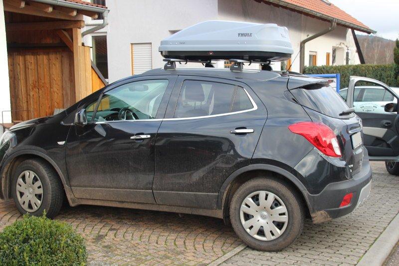Dachbox auf einem Opel Mokka in Birkenhördt