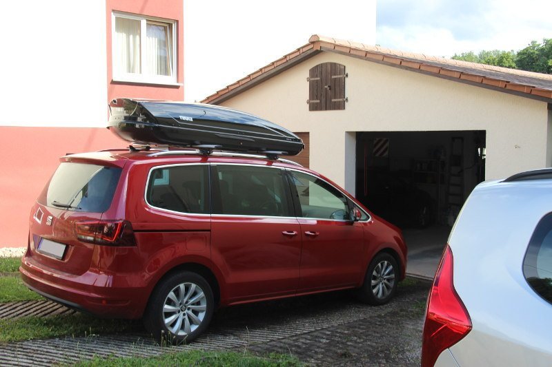 dachbox 630 liter f r ihren seat alhambra leihen. Black Bedroom Furniture Sets. Home Design Ideas
