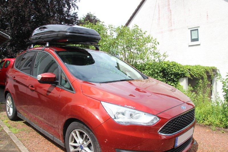 Dachbox und Dachträger von Thule auf einem Ford C-Max in Kaiserslautern