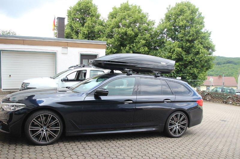 Dachbox auf einem BMW Touring in Neunkirchen